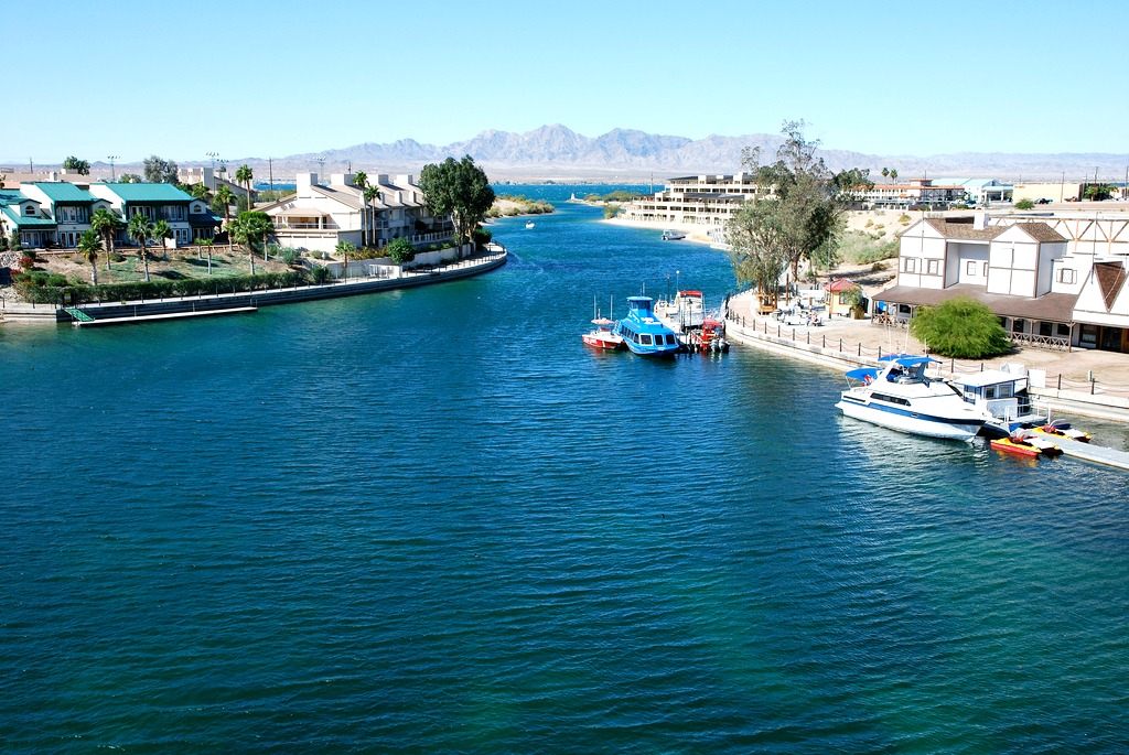 Lake Havasu waterfront homes