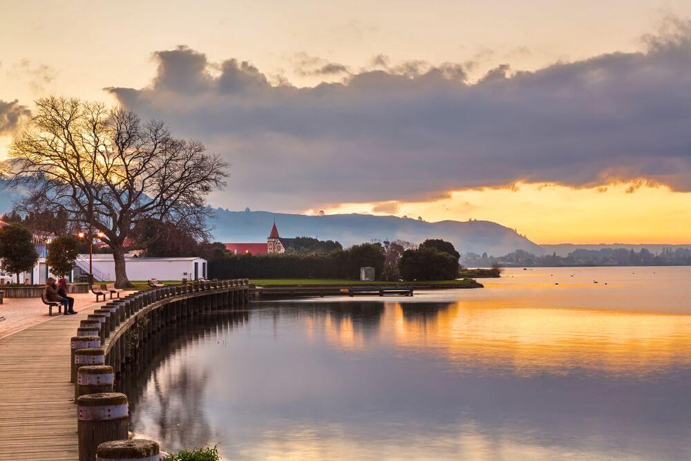 lake rotorua lakefront
