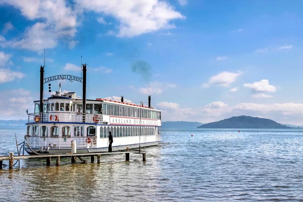 lakeland queen paddle steamer
